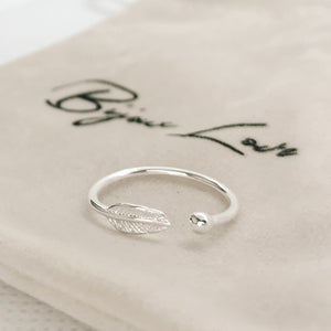 "Bague ajustable ""Feather"""