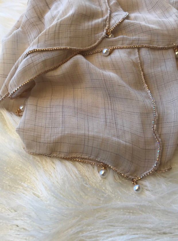 Crystal chain shawl - cream