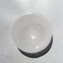 Load image into Gallery viewer, selenite bowl (small) i.