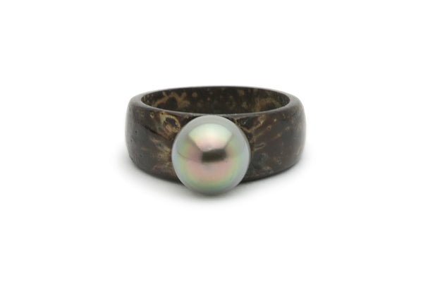 Tahitian pearl and desde coconut wood ring