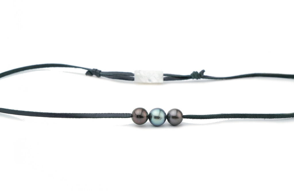Dark and light triple Tahitian pearl leather necklace
