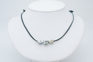 Tripple Tahitian keshi pearl on kangaroo leather necklace