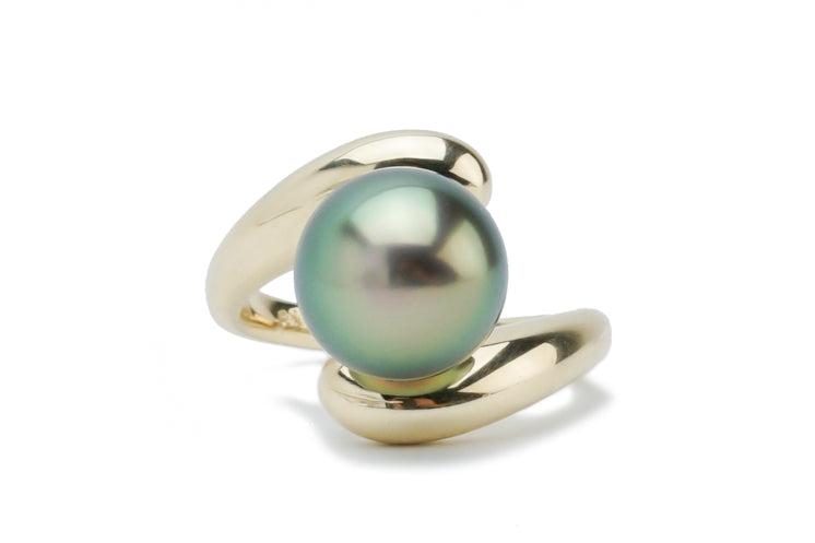 Glorious Glowing Green Tahitian Pearl Ring
