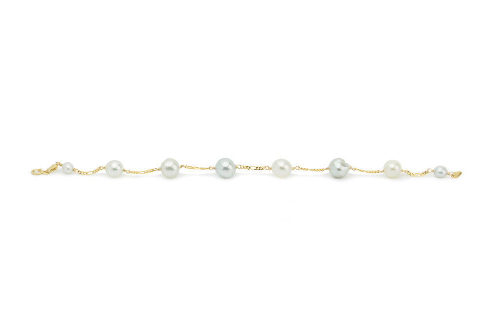 White Tahitian keshi pearl and 14K gold Tin cup bracelet