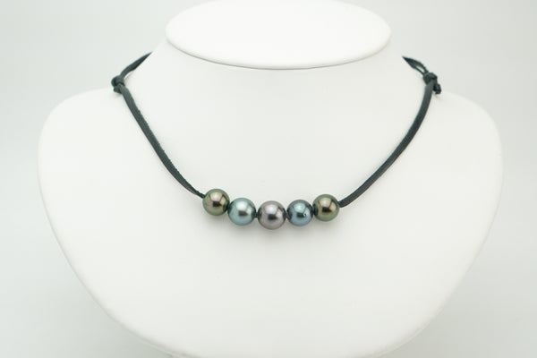 Quintuple 5 Tahitian pearl necklace on eco leather
