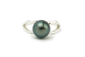 Bright green Tahitian pearl ring of Sterling silver size 6.5