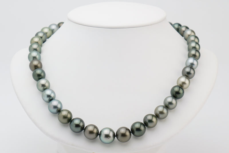 11 to 13.5mm Tahitian pearl round necklace