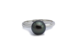 Very dark green peacock Tahitian pearl ring on silver size 7
