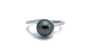 Green Midnight Swirl Tahitian Pearl Ring