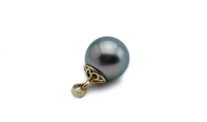 Light green peacock Tahitian pearl pendant