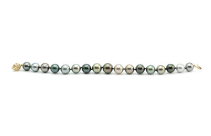 Black and white contrasting Tahitian pearl bracelet