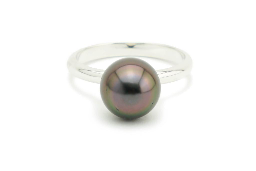 Aubergine Tahitian pearl ring on Sterling silver