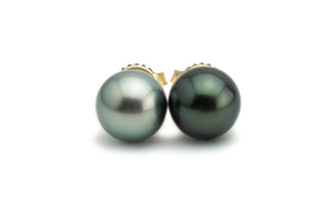 Black and white 9.5mm Tahitian pearl stud earrings