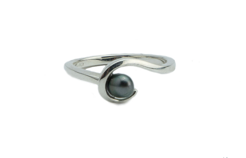 Tahitian keshi pearl Sterling silver wave ring