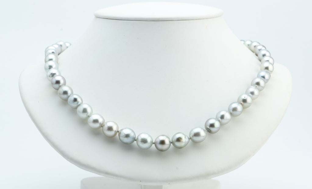 Silvery White Tahitian Baroque Pearl Strand