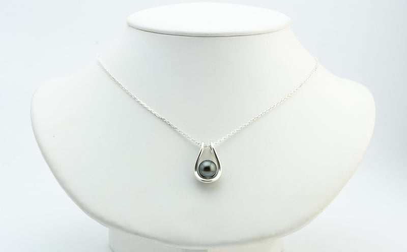 Maeva Sterling Silver Tahitian Pearl Necklace
