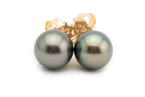 Silvery peacock green Tahitian pearl stud earrings