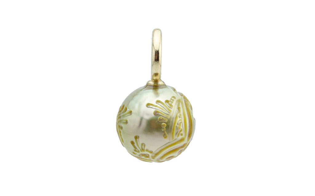 Glowing Gold Carved Tahitian Pearl Pendant