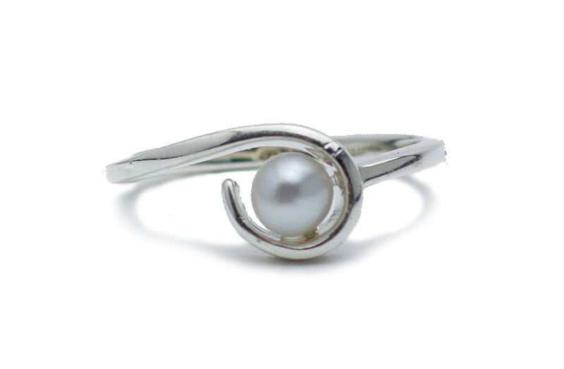 White Tahitian Keshi Pearl Wave Ring