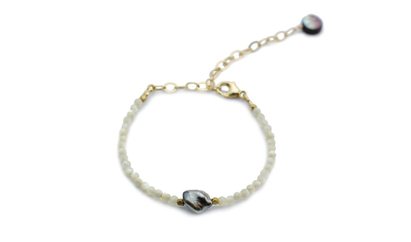 Mother of Pearl & Tahitian Keshi Pearl Bracelet (gold)