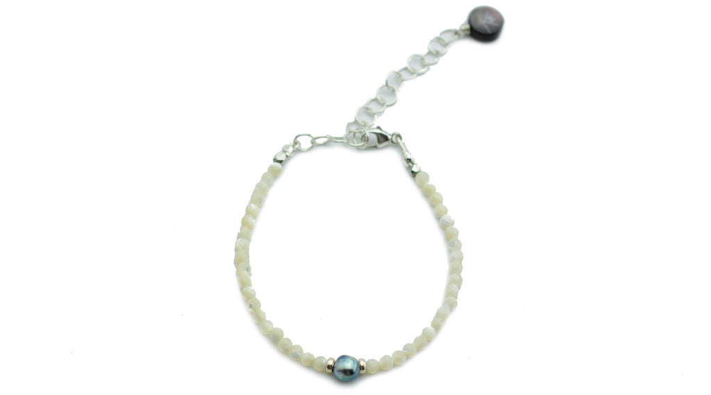 Tahitian keshi pearl and mother of pearl bead bracelet