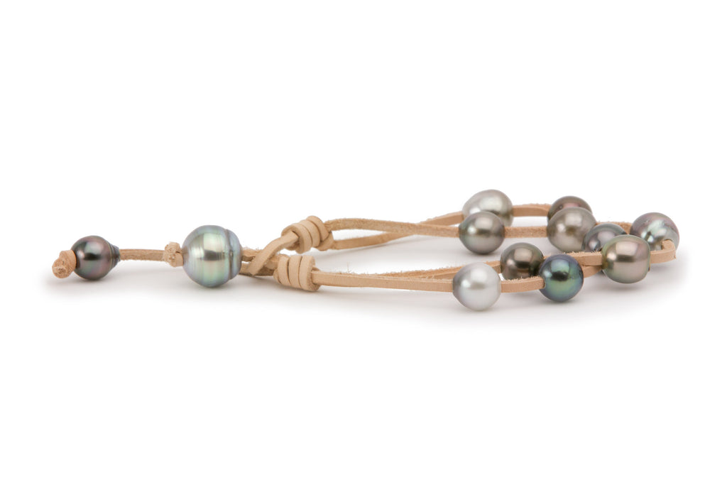Double strand Tahitian pearl knotted bracelet on environmental kangaroo leather