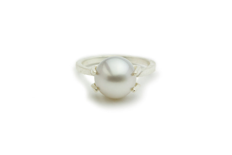 Designer Kamoka white Tahitian pearl prong ring on Sterling silver