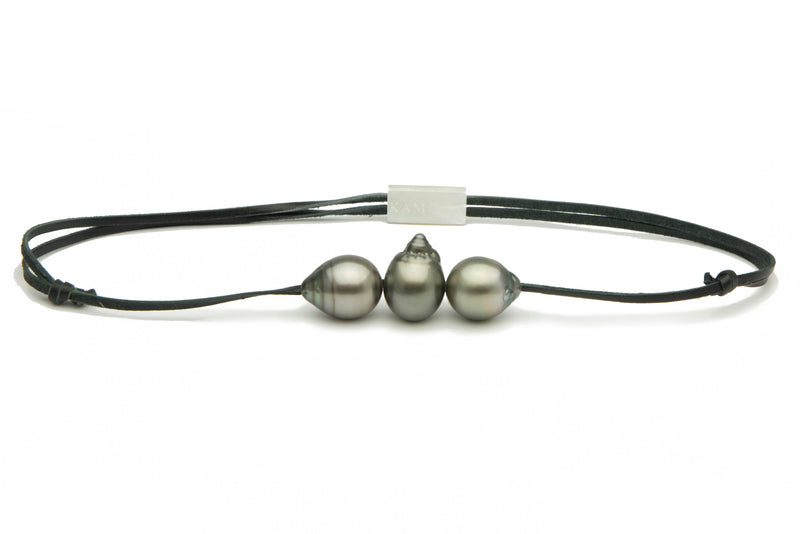 Vertically drilled Tahitian drop triple 14.5mm pearl necklace on kangaroo leather