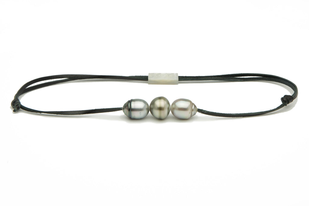 Silver Tahitian pearl 13mm kangaroo leather surfer necklace