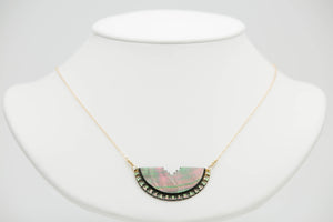 Tahitian Mother of pearl hand carved pendant chain necklace