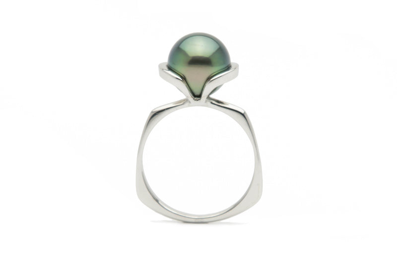 White 14K gold and green Tahitian pearl petal ring