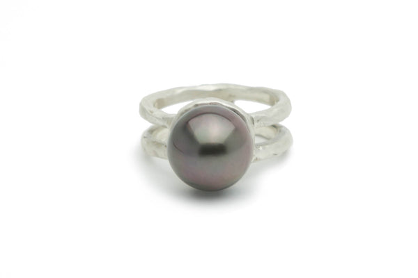 Tahitian 12mm aubergine pearl & cast Sterling silver ring