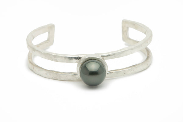 Dark green Tahitian pearl and Sterling silver double cuff bracelet