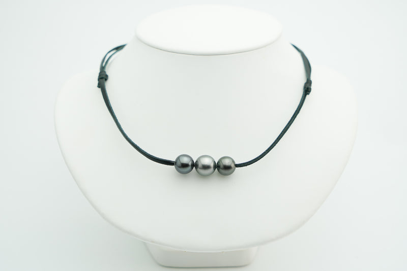 Triple large Tahitian pearl necklace on kangaroo leather
