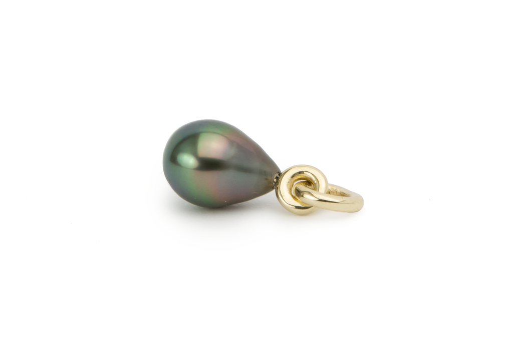 Tahitian pearl rainbow drop pendant, 9.5mm. Sustainably produced.