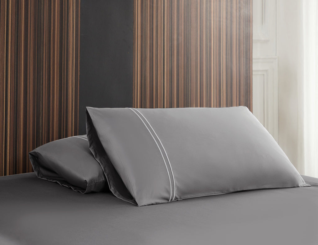 Hotelier Prestigio™ Lloyd With White Lines Fitted Sheet Set - Bedding Affairs