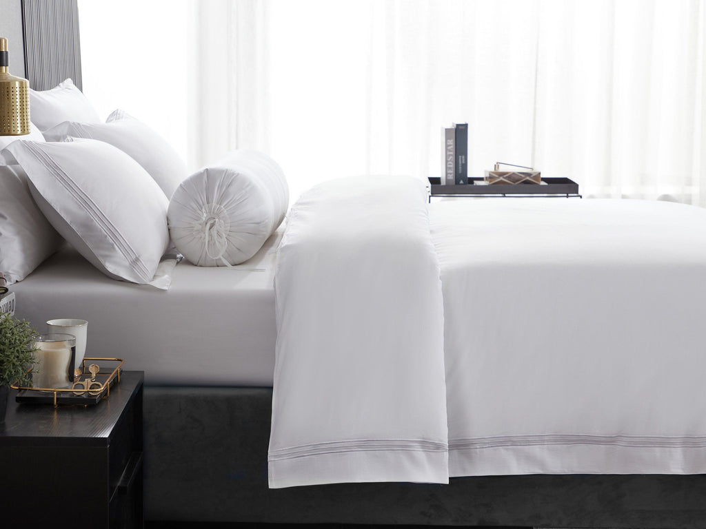 Hotelier Prestigio™ Lucent White With Line Border Fitted Sheet Set - Bedding Affairs