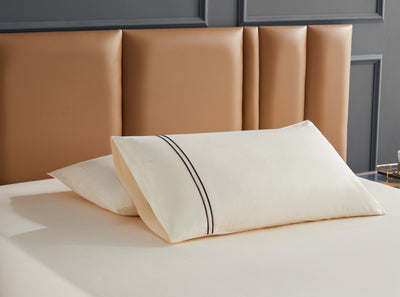 Hotelier Prestigio™ Aruna With Umber Lines Fitted Sheet Set