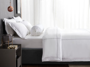 Hotelier Prestigio™ Alvar With Grey Cross Border Pillow Case