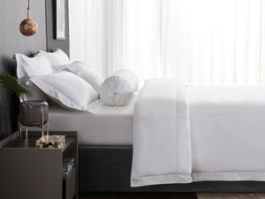 Hotelier Prestigio™ Alvar With White Cross Border Pillow Case