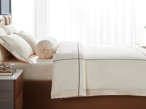 Hotelier Prestigio™ Aruna With Umber Cross Border Bolster Case