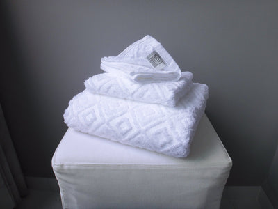 Hotelier Prestigio™ Diamond White Towel Collection - 3 Pcs Set - Bedding Affairs