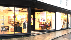 For details of opening times and address of the shop, go to www.Handmadestudios.org