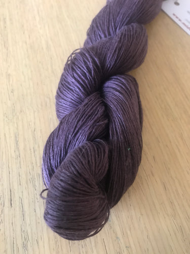 Lithuanian linen yarn by Midwinter colour 3.8