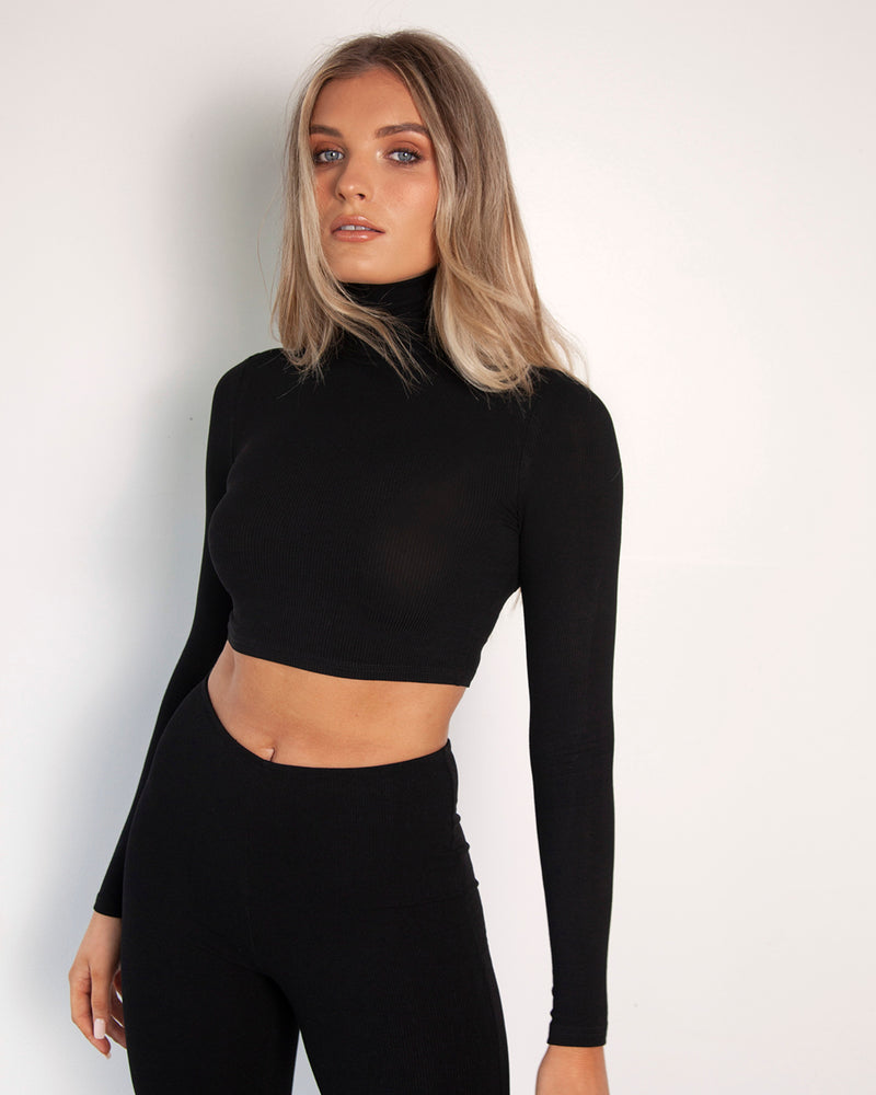 Turtle Neck Crop - Black