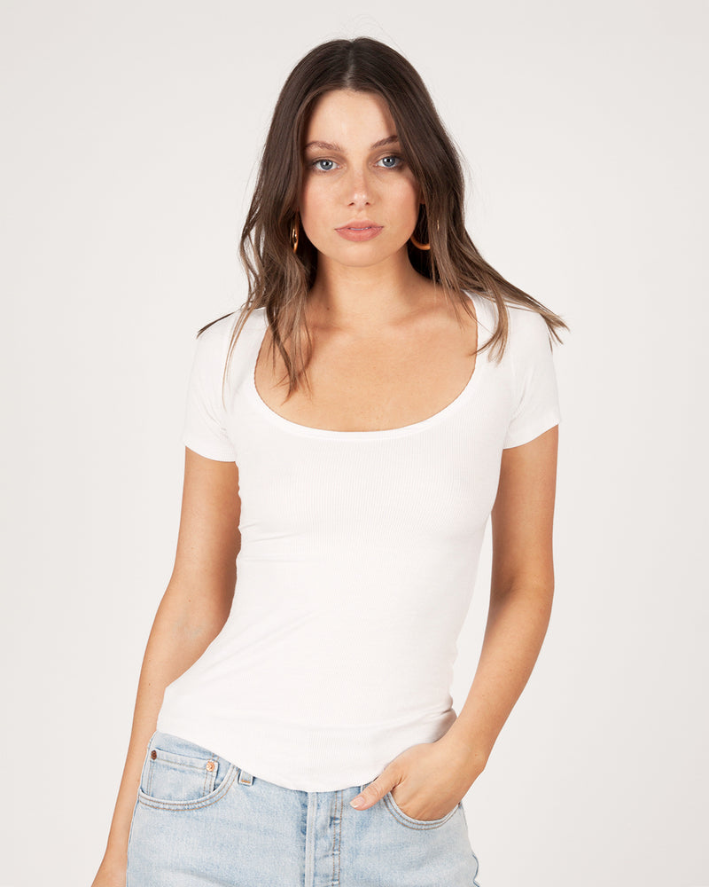 SCOOP NECK T-SHIRT - WHITE