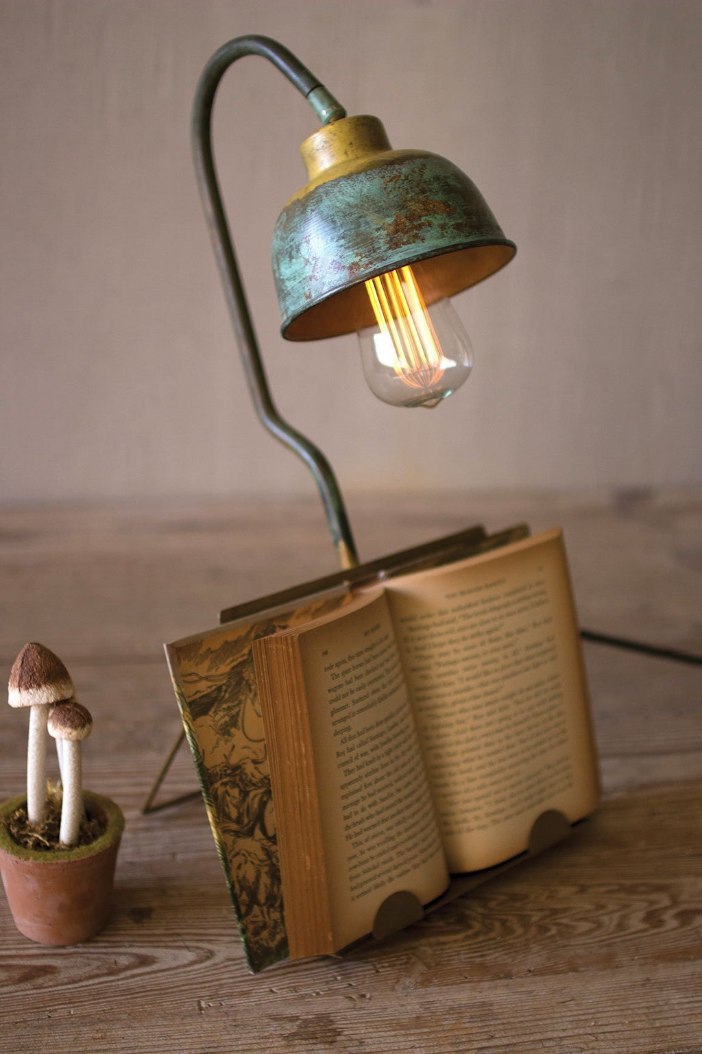 Urban Farmhouse Designs Table Lamp with Book Holder