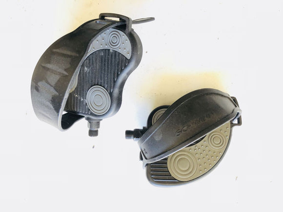 Schwinn Residential Recumbent Bike Pedal Set Pair with Straps OEM 9/16