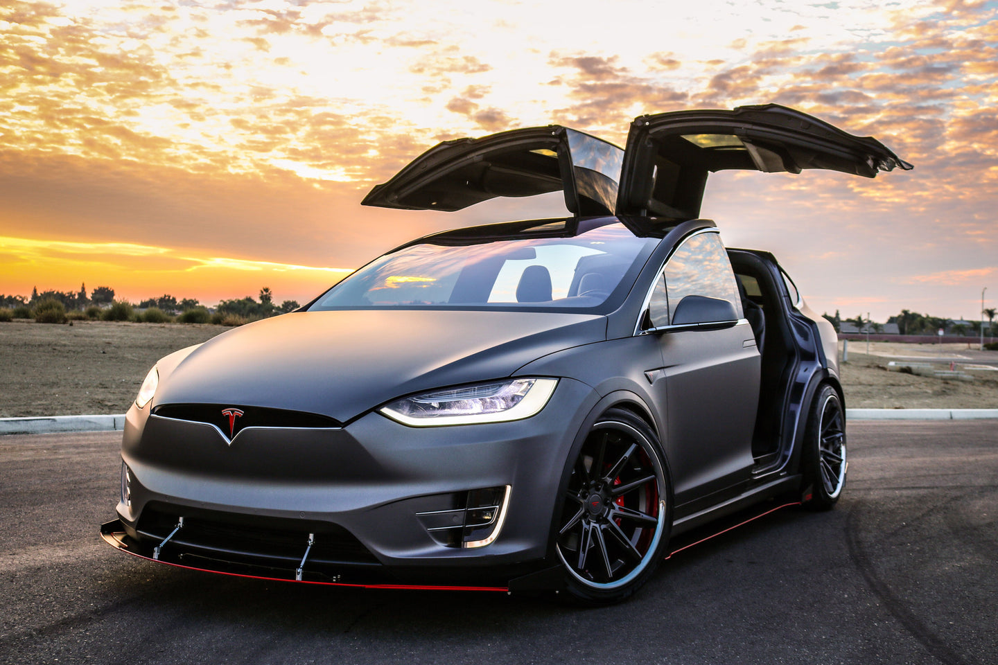 Tesla Model X | Splitter, Side Skirts, Rear Diffuser, Splitter Rods, Canards, Side Skirts