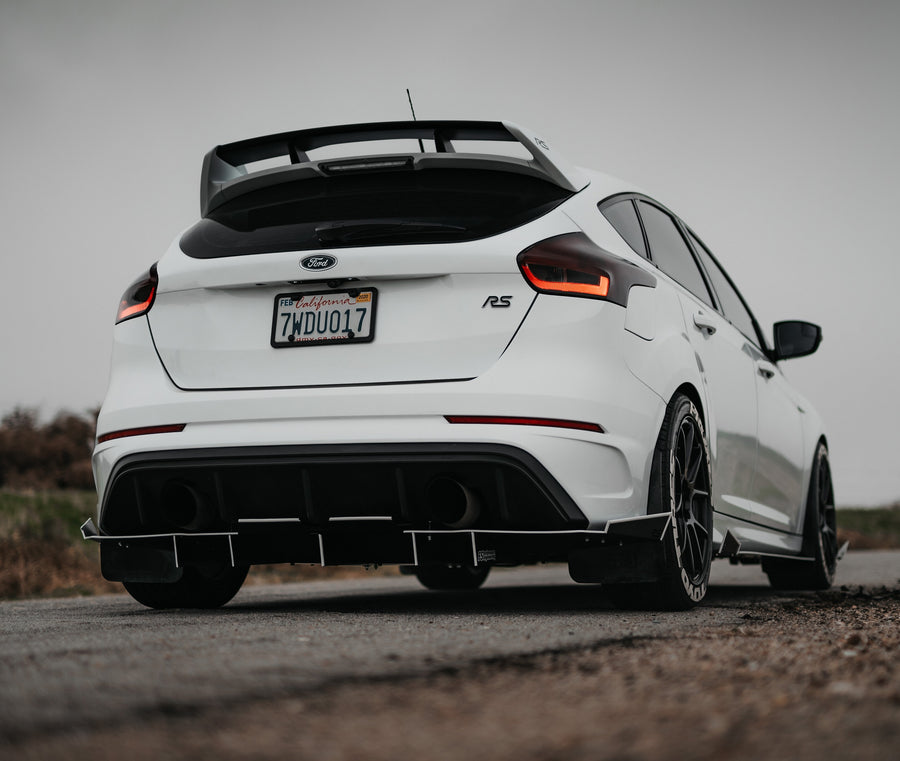 Ford Focus RS 2016-2018 Rear Diffuser V2 (full length spats) - FS Performance Engineering